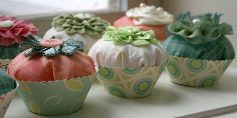 Cosmo Cricket_gluber_fabric cupcake