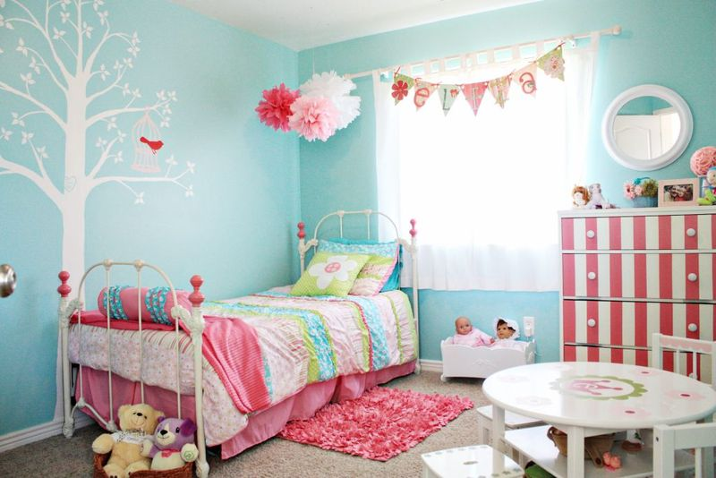 Eliza's  turquoise pink big girl room 1 [1024x768]