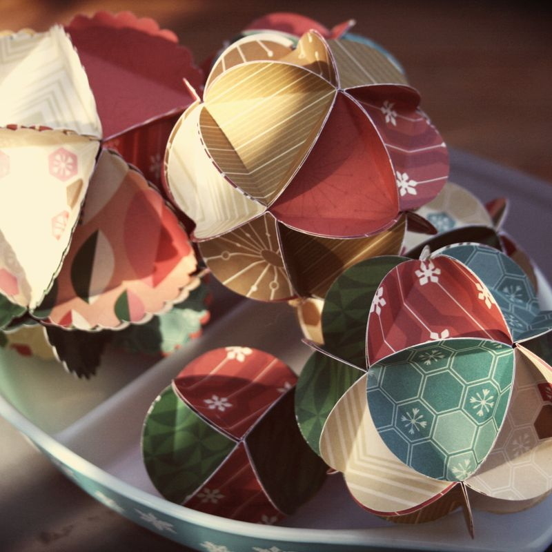 Jolly Days Paper Ornaments2
