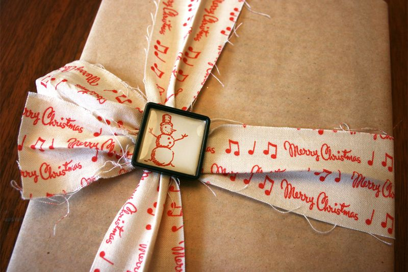 How to Tie a Gift with only a Ribbon Slide | Cosmo Cricket