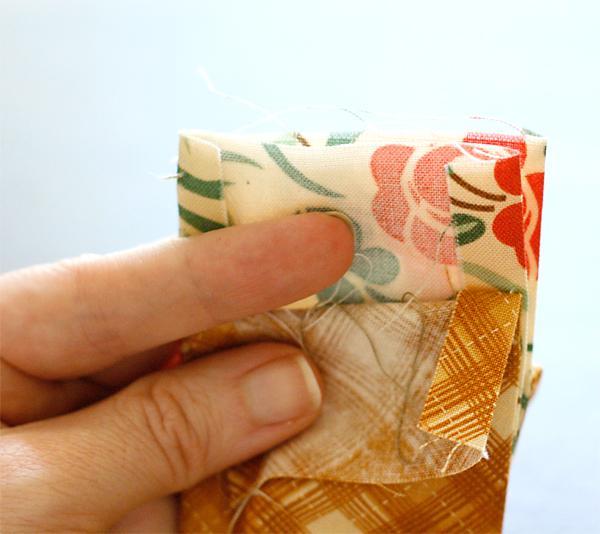 Reversible straps for bag