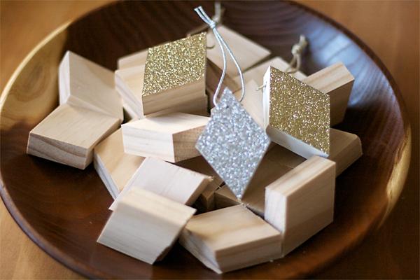 Wood and Glitter Modern Ornament DIY