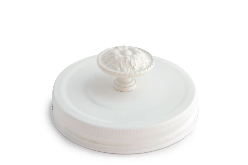 White lid with knob_solo