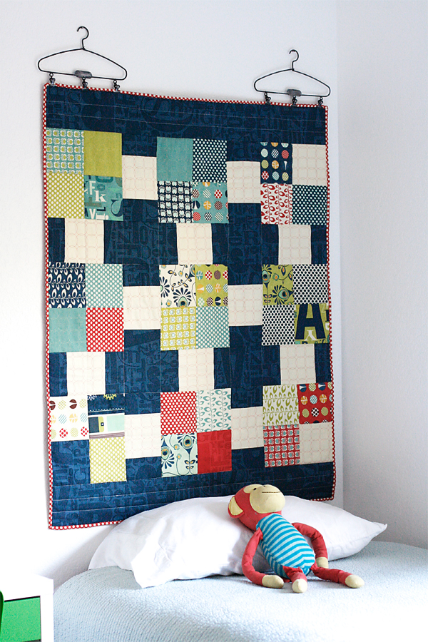 free  easy pattern quilt as headboard  cosmo cricket, Headboard designs